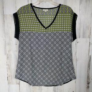 🌿 Antilia Femme Cuffed Short Sleeve V-Neck Top